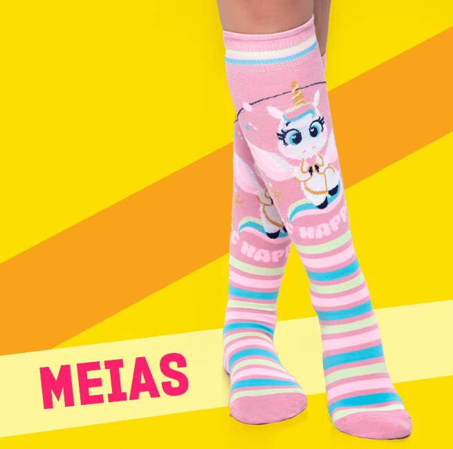 Meias! Na imagem temos aparecendo uma par de meias de unicórnio.